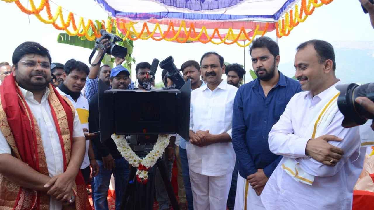 Karthikeya 2 Launch Pooja